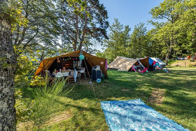 Le Plo tentes aménagées
