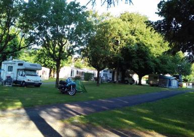 Camping Vallée du Thoré tente caravane camping car