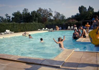 Camping Le Pessac grande piscine