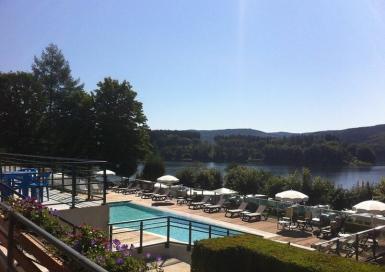Camping Le Rouquié du Lac piscine