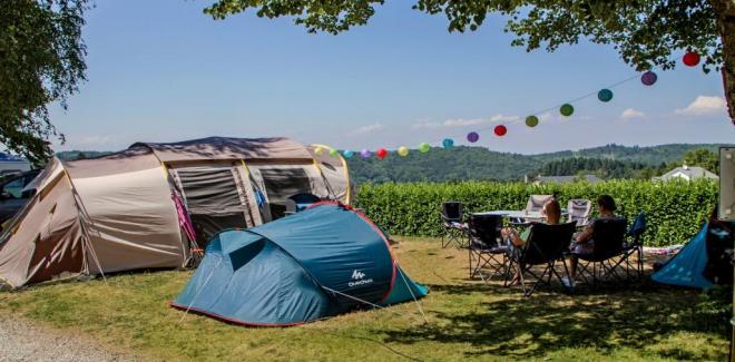 Camping tente en famille