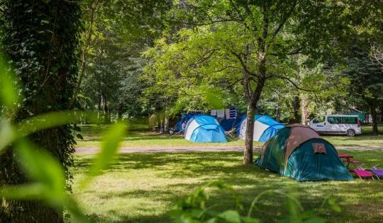 Camping Municipal de Thuriès tentes