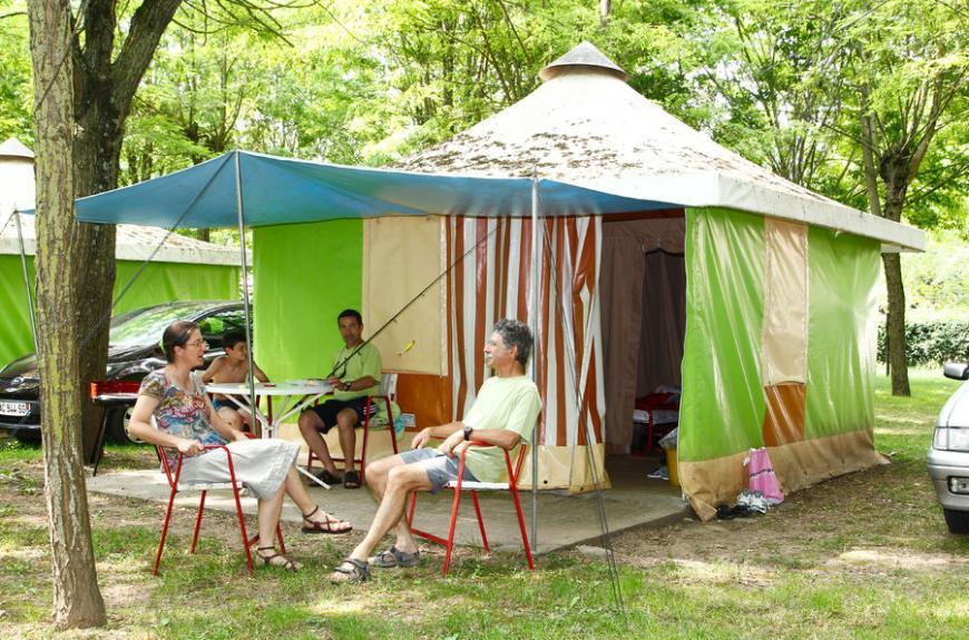 Amitié bungalow toilé