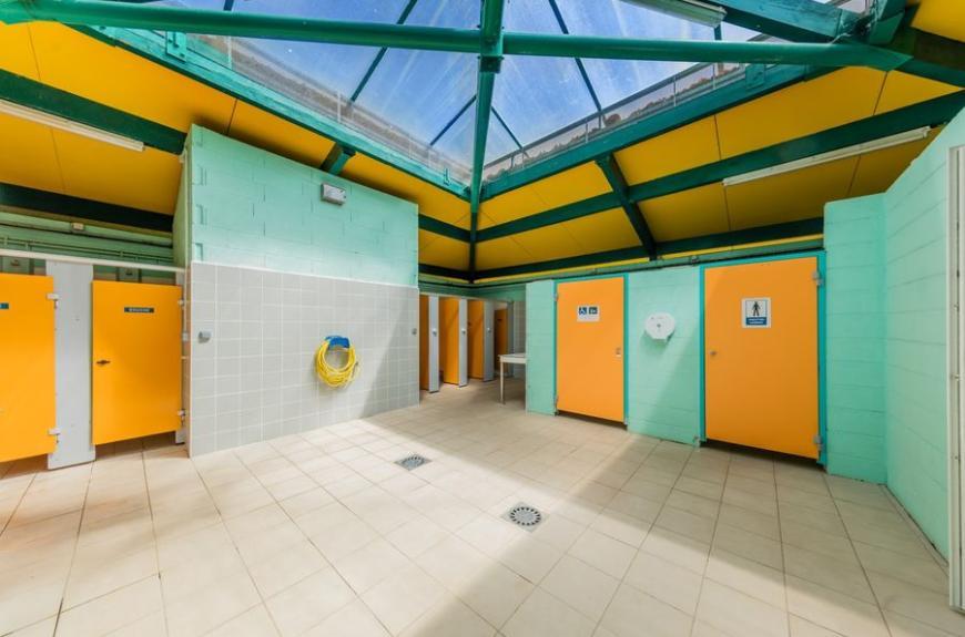 Gourjade intérieur sanitaire