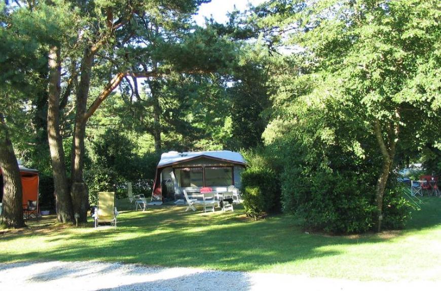 caravane et tentes