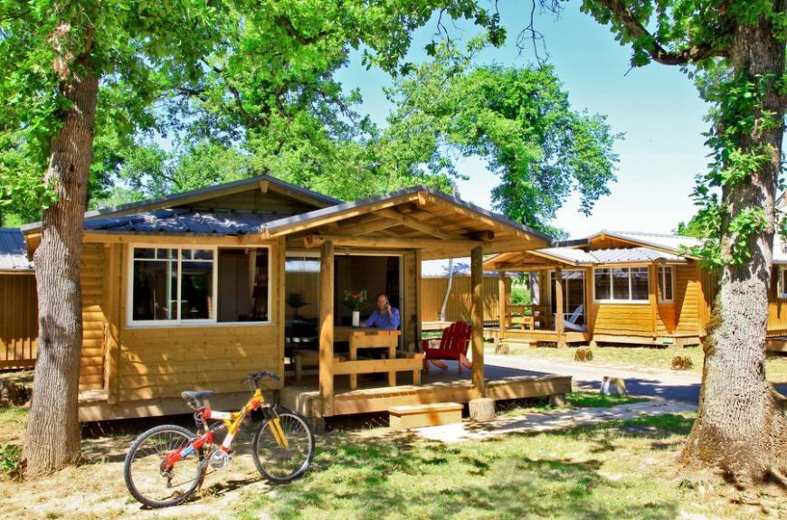 Albirondack Camping Tarn Chalet Powell