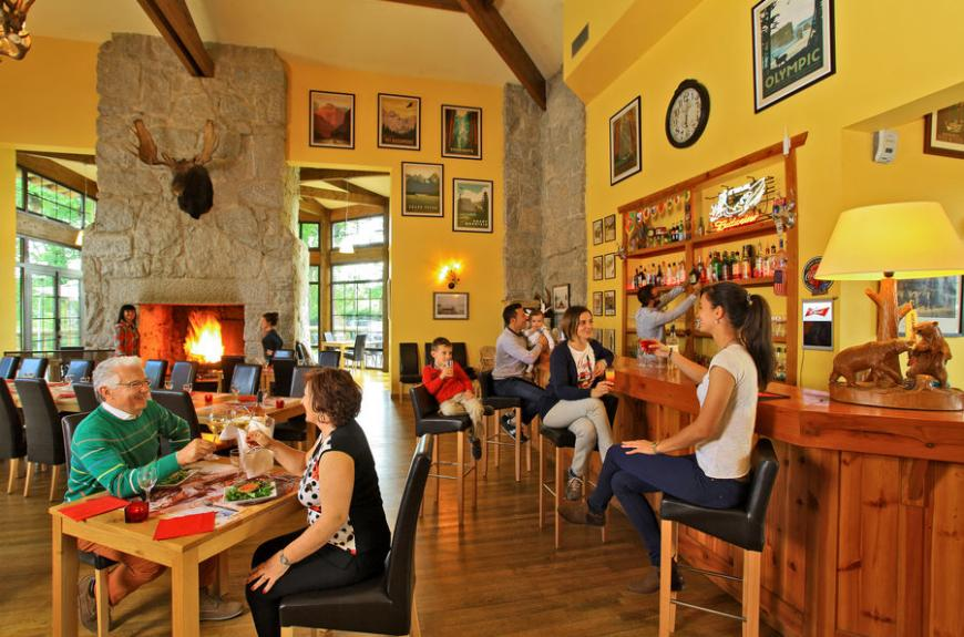 Albirondack Camping Tarn Restaurant
