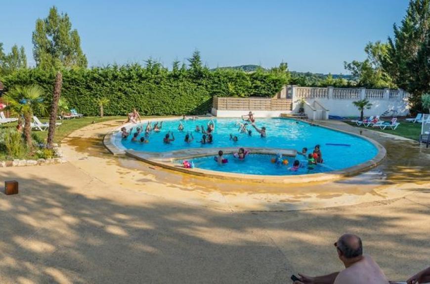 Domaine du Chêne Vert piscine