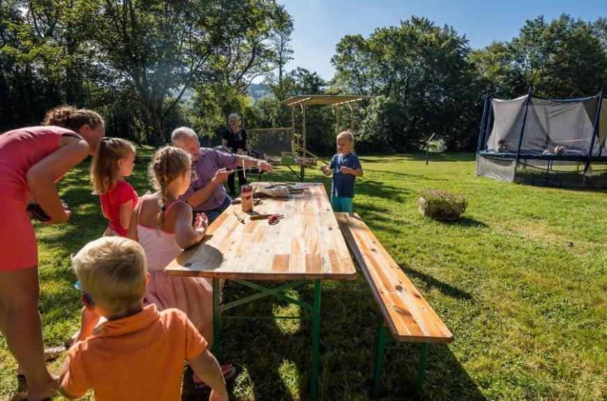 Le Plô table avec enfants