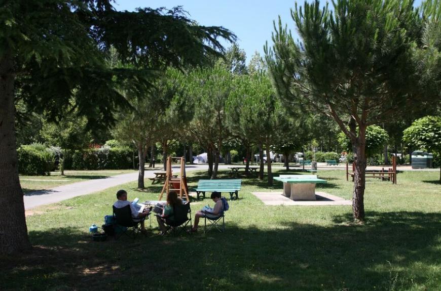 Municipal La Bâtisse jeux enfants et espaces verts