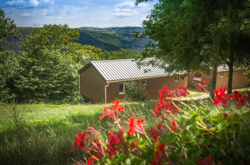 Domaine Vallée du Tarn chalets fleuris