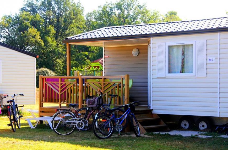 Les Pommiers d' Aiguelèze mobile home avec terrasse