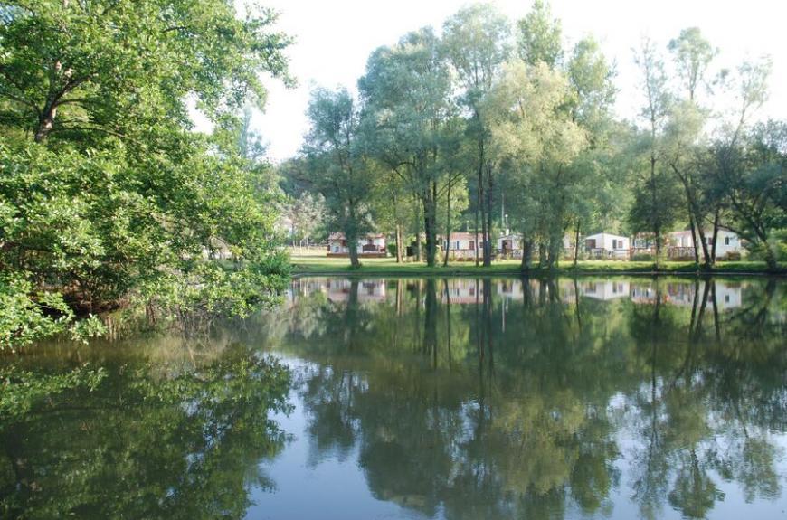 Domaine du Grand Chêne Lac & chalets
