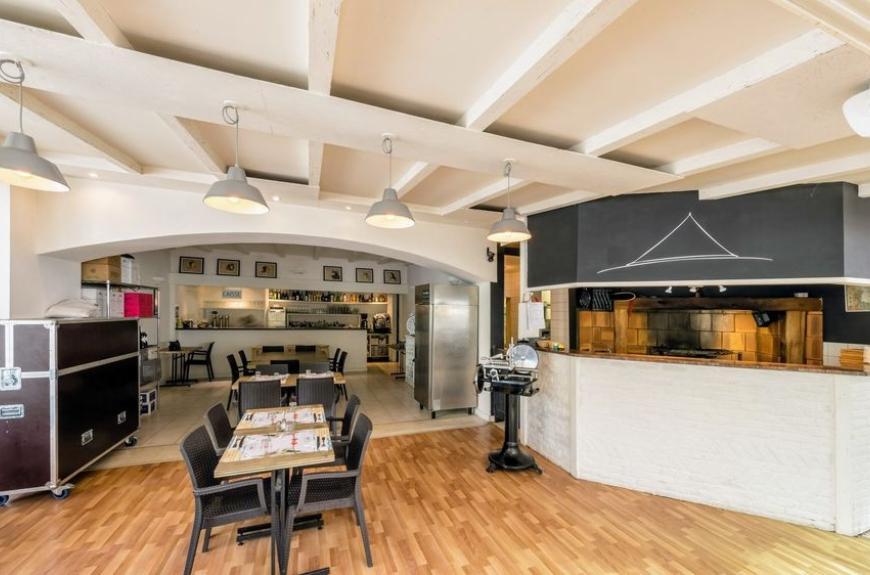 Gourjade intérieur restaurant