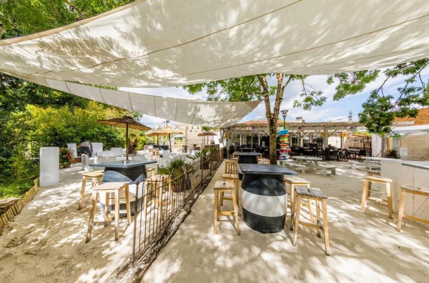 Gourjade terrasse extérieure restaurant