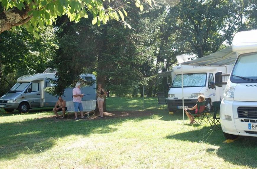 Domaine du Grand Chêne camping caristes