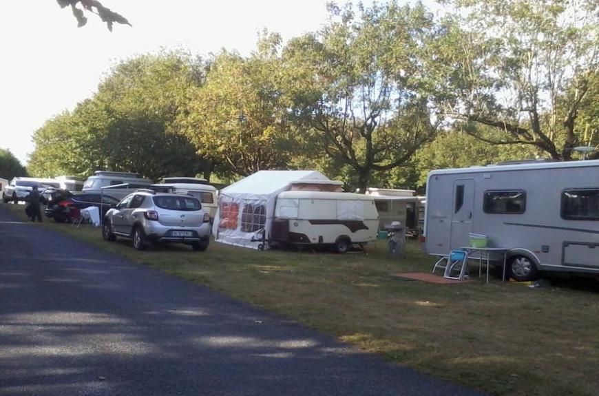 Camping Vallée du thoré caravanes et auvents