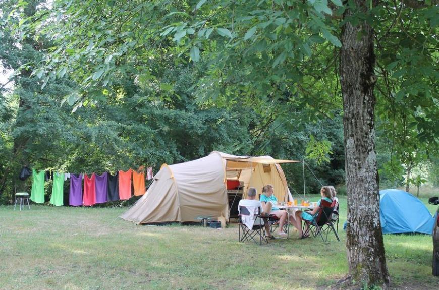 Monesties Camping Prunettes tente famille
