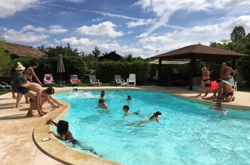 Chalets de Fiolles piscine