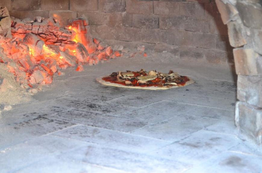 Saint Pierre de Rousieux pizza feu de bois