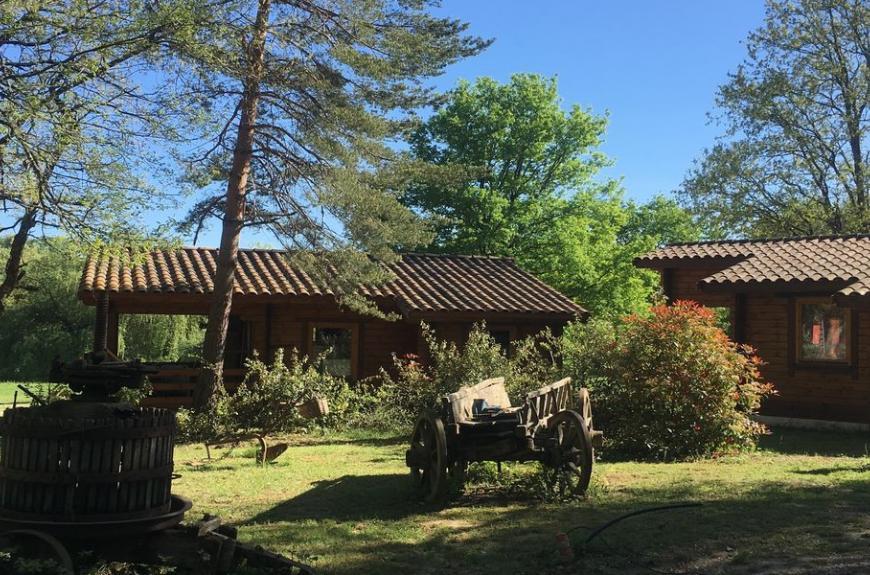 Les Fées du Moulin chalets bois