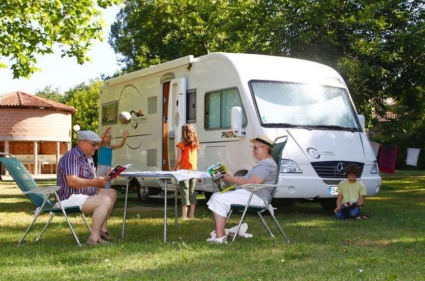 Camping les prunettes_monesties camping car