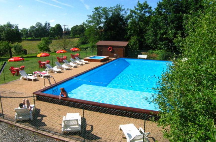 camping entre deux lacs piscine