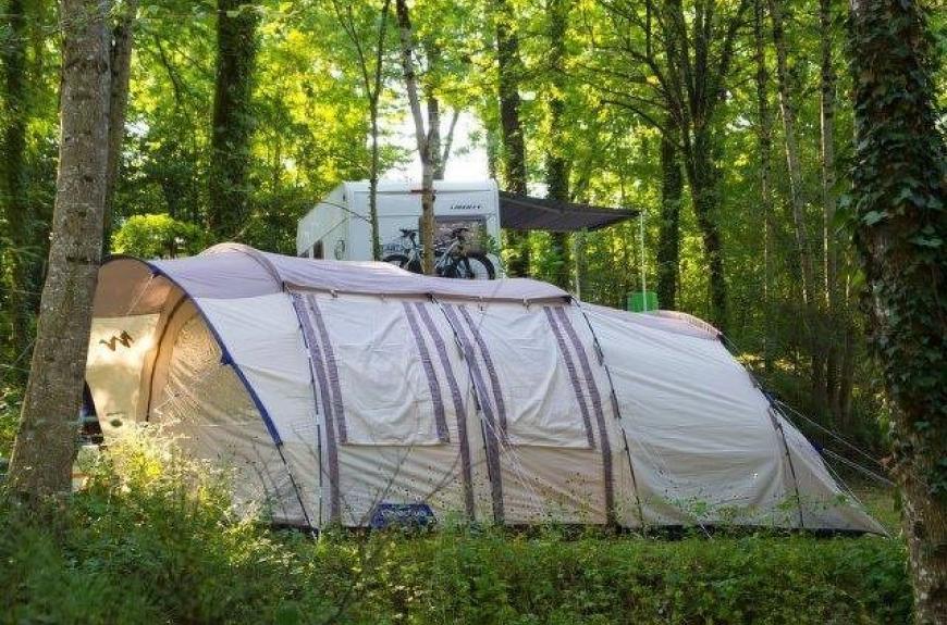 camping entre deux lacs tente