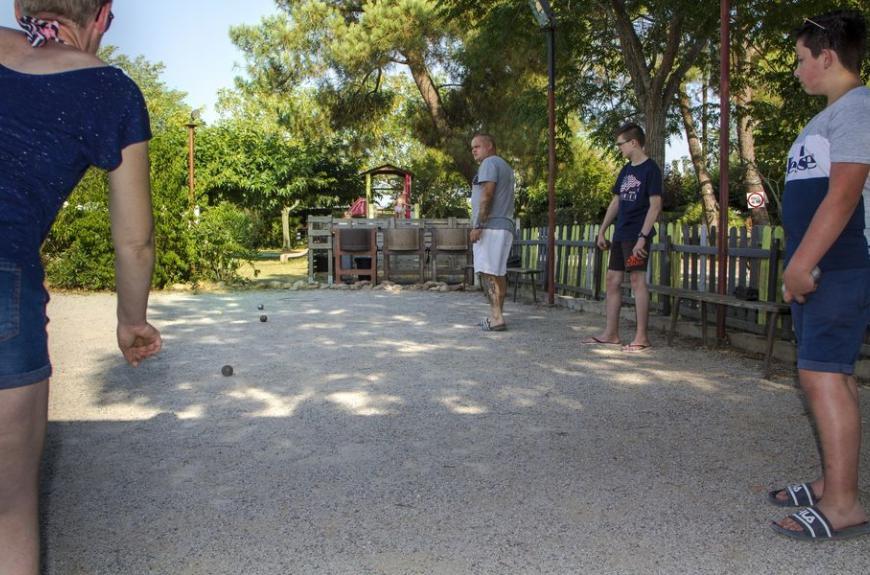 Camping Le Pessac pétanque