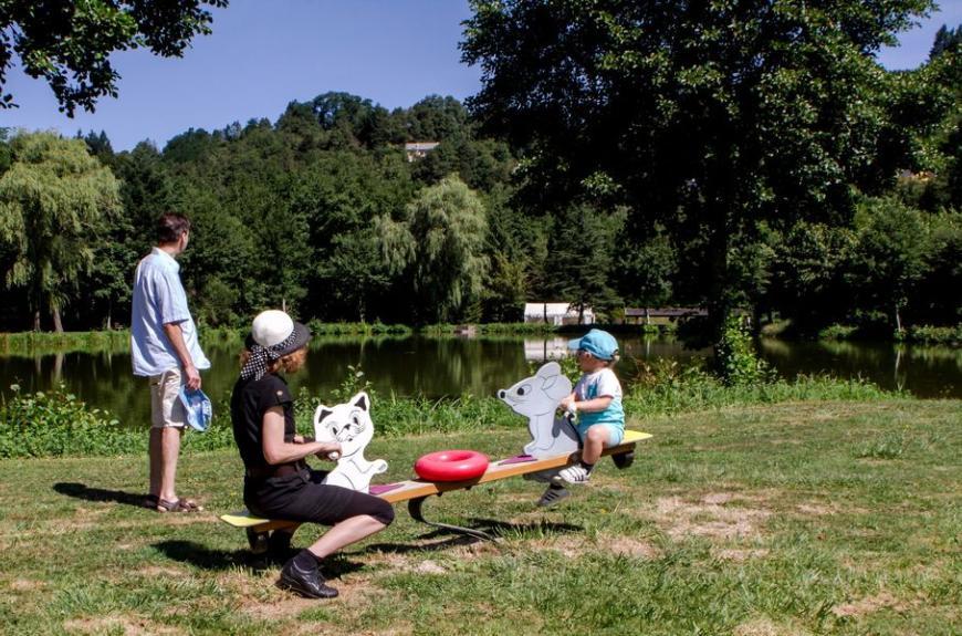 Camping Municipal la Rabaudié jeux enfants