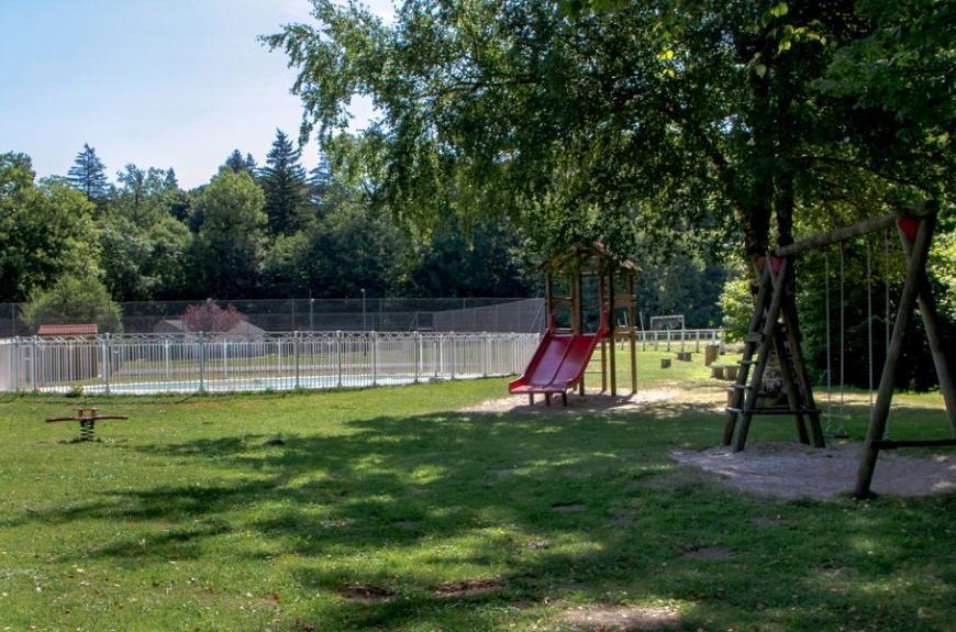 Camping Municipal la Rabaudié aire de jeux