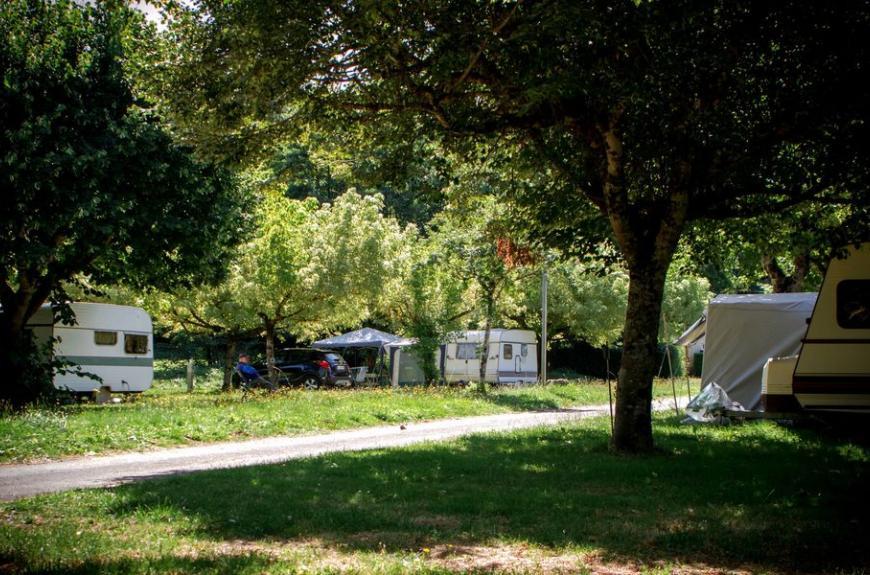 Camping Municipal la Rabaudié grands emplacements