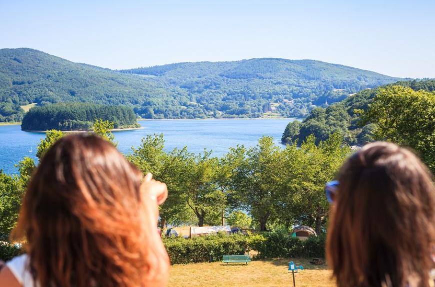 Camping Fées du Lac vue sur lac