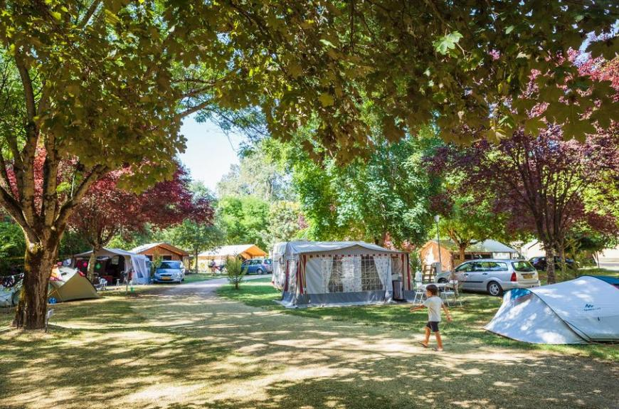 Camping Soleil des Bastides emplacements camping