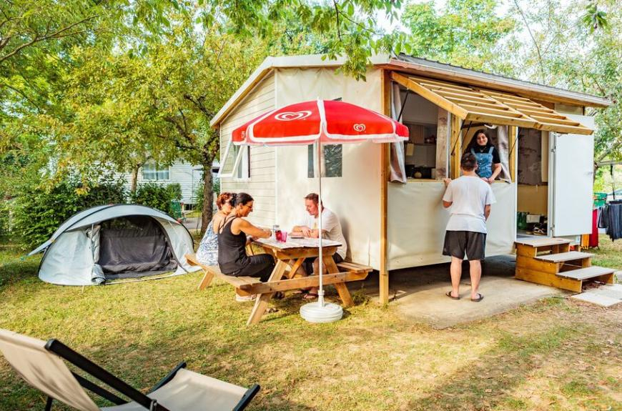 Camping Les Pommiers tithome