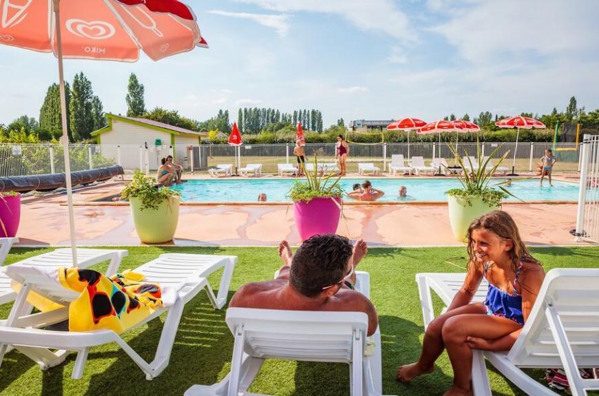 Camping Les Pommiers plages piscine
