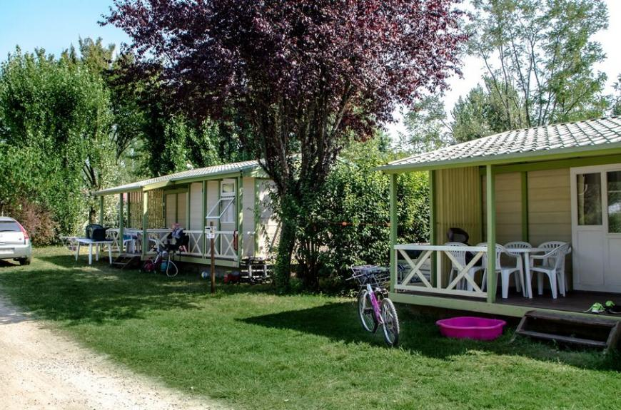 Camping Plan d'Eau St Charles chalets