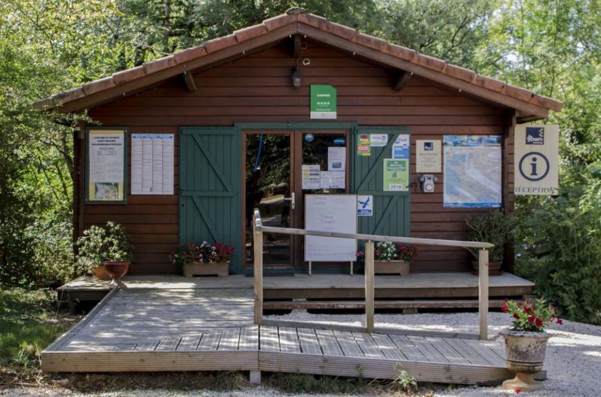 Camping Entre Deux Lacs accueil