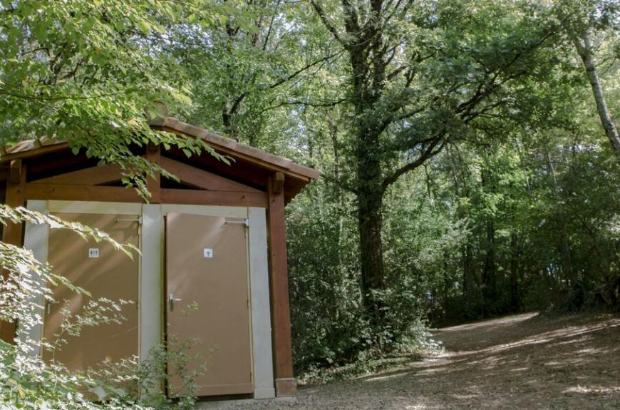 Camping Entre Deux Lacs sanitaires