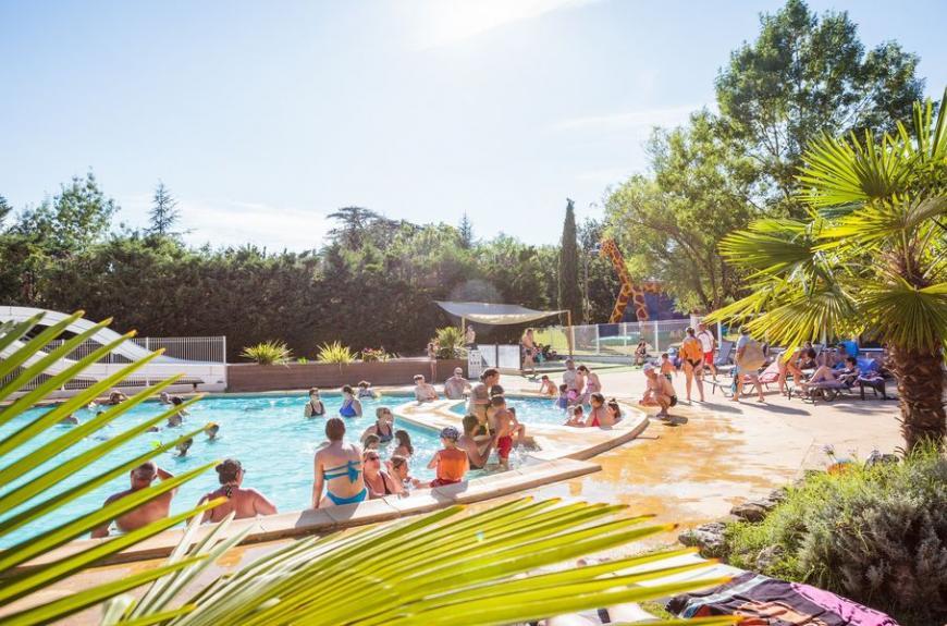 Camping Chêne Vert piscine famille