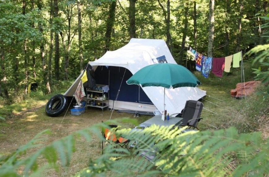 Camping Domaine Les Clots grande tente
