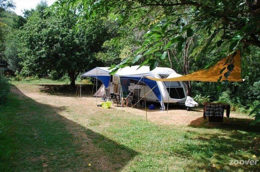 Camping Domaine Les Clots grande caravane