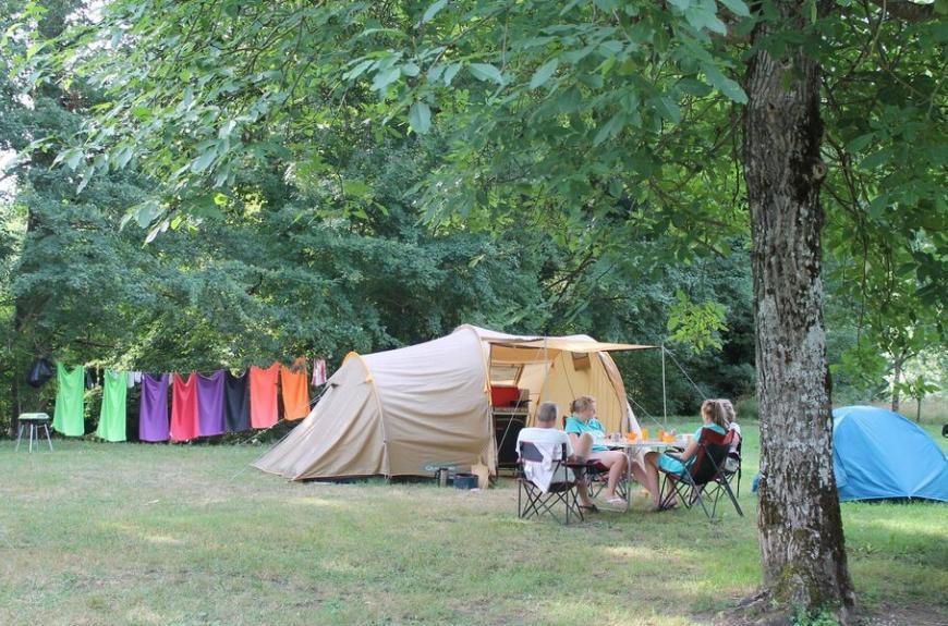 Camping Municipal Prunettes grande tente