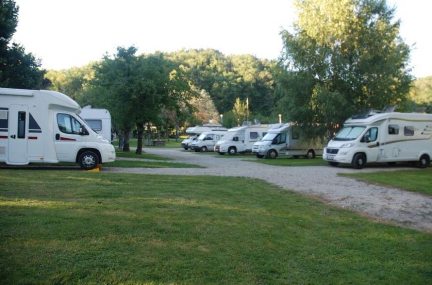 Domaine du Grand Chêne camping cars