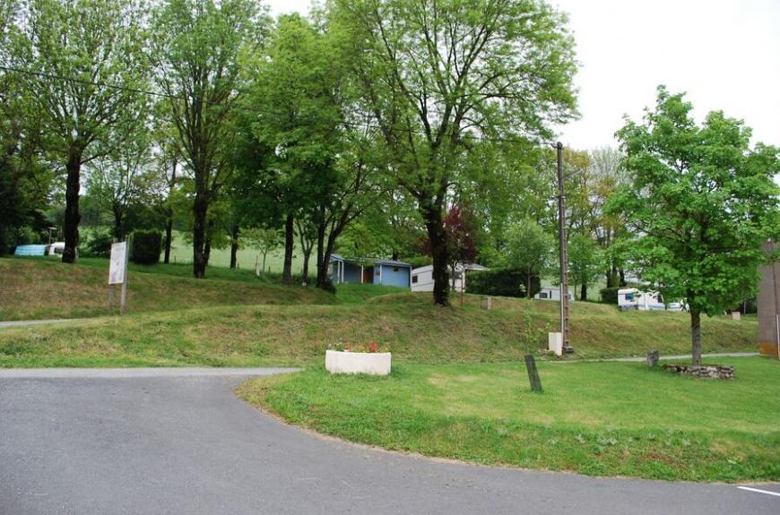 Camping Municipal Les Adrêts emplacements tranquilles