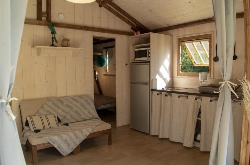 Camping les Tarrasses du Viaur intérieur lodge