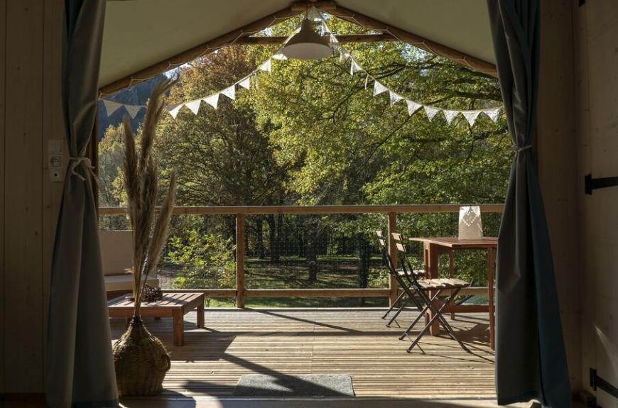 Camping les Tarrasses du Viaur interieur lodge