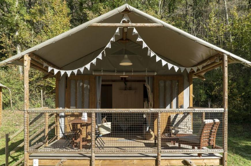 Camping les Tarrasses du Viaur lodge toile et bois