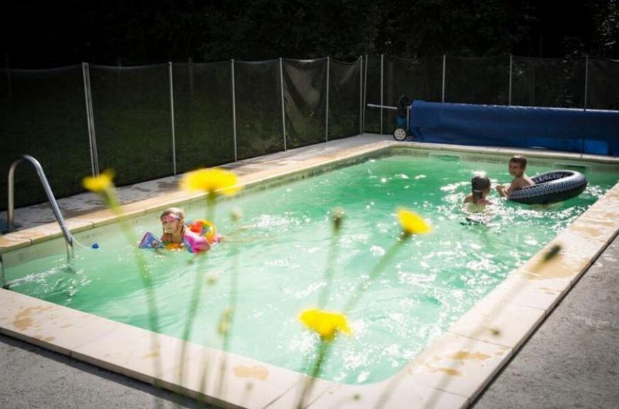 Camping les Tarrasses du Viaur piscine