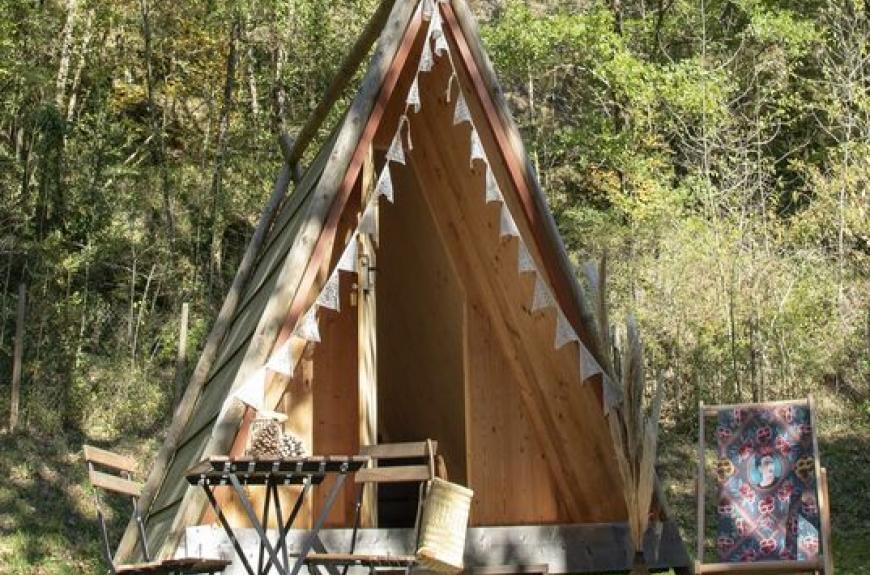 Camping Les Terrasses du Viaur tipi insolite